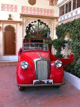 Bharat Mahal Palace: Vintage