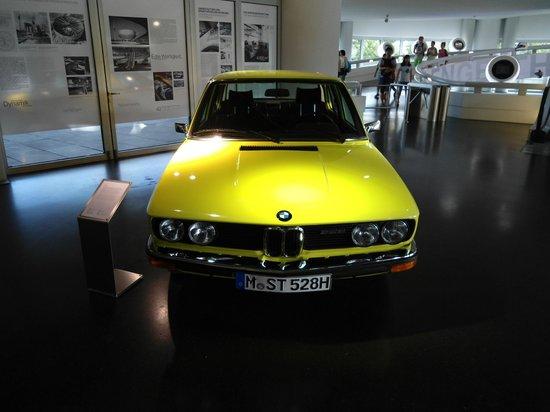 Museo BMW: Modelo clássico em exposição