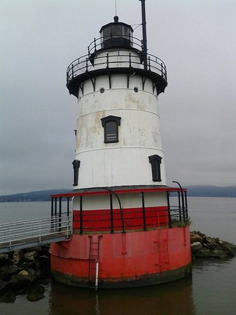 The Tarrytown Lighthouse : Tarrytown Lighthouse