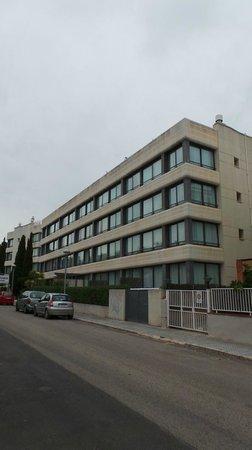 Atenea Park Suites Apartaments : Vue extérieure
