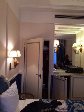 Hotel Metropole: Bed room