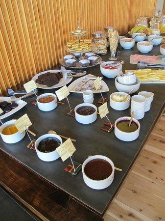 Hotel Destino Sur: Breakfast
