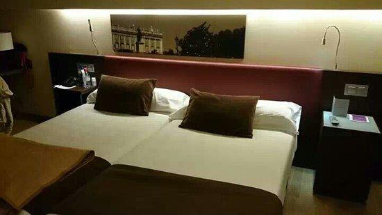 Ayre Gran Hotel Colon: Habitación