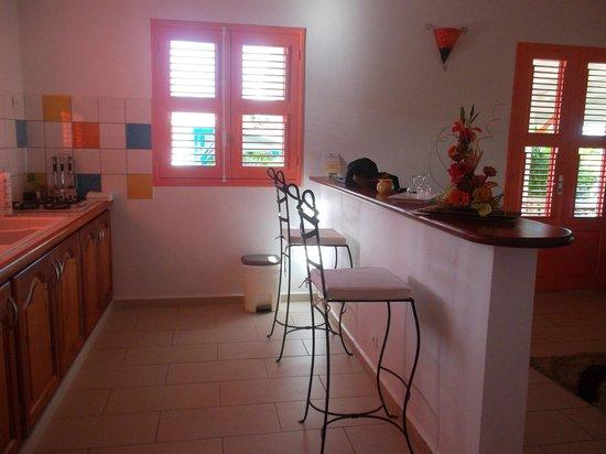 Residence Le Jardin Des 4 Epices: coin cuisine