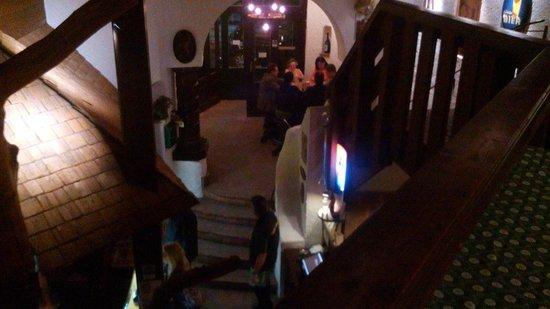 Medl Brau: Beer is good, food is ready, the place is OK.