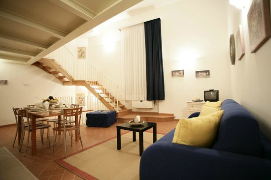 Palazzo Virginio     Via Ghibellina 7N, 50122 Firenze, Italia