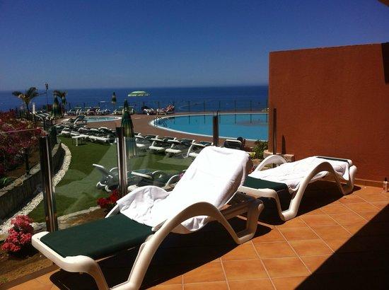 Serenity Apartments : Puedes tomar el sol en la misma terraza