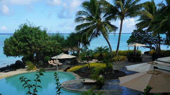 Pacific Resort Aitutaki : pool area
