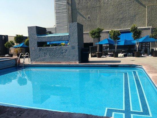 Galeria Plaza Reforma: The pool