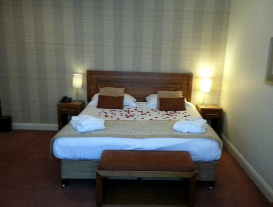 Park Farm Hotel: Double Bed in Executive Suite - Room 51