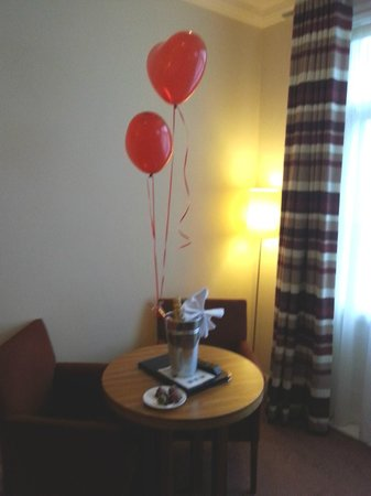 Park Farm Hotel: Helium Balloons in our room