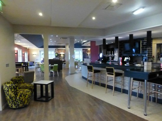 Holiday Inn Darlington - North A1m: Bar & dining area
