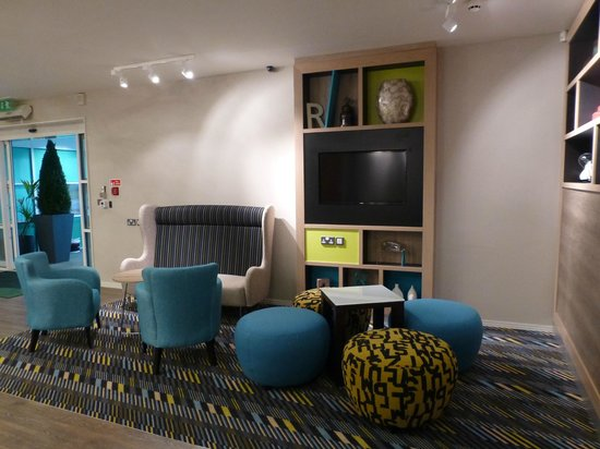 Holiday Inn Darlington - North A1m : Reception seating