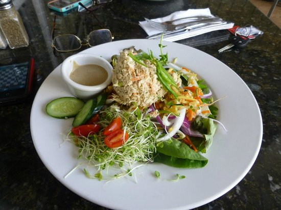 Kalaheo Cafe & Coffee Company: salad