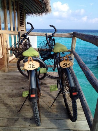 Six Senses Laamu : Six Senses personalised out bikes for the 40th celebration