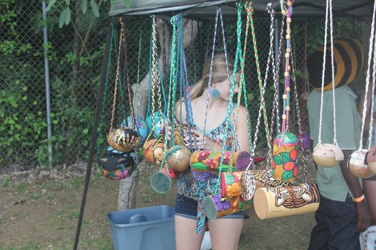 St. George Village Botanical Garden : Local crafters were invited to sell their handmade wares at Mango Melee