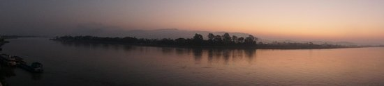 Serene at Chiangrai Hotel : 06h30 - 1ères lueurs du jour - chambre double River View