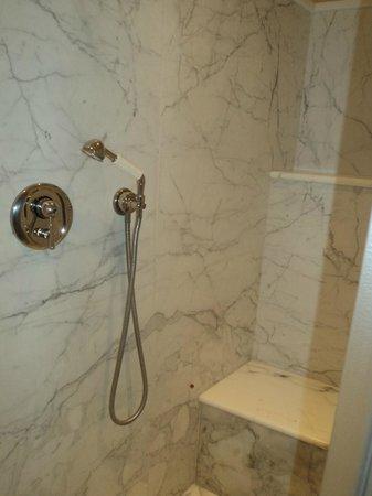 Santa Maria Novella Hotel : Dusche