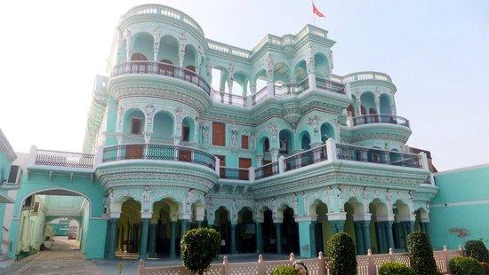Malji Ka Kamra : Magnificent exterior