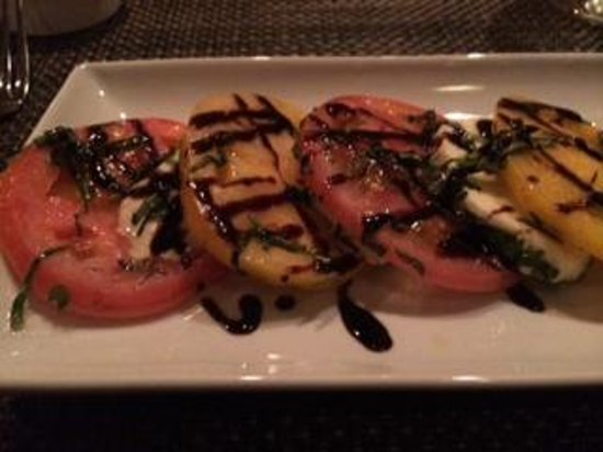 Dalya's Restaurant: Caprese Salad