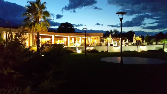 Poseidon Palace Hotel: Фонтан у ресторана