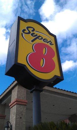 Motel 6 La Mesa CA : Вывеска