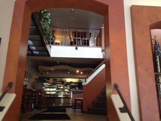 Aladdins Natural Eatery: Inside restaurant