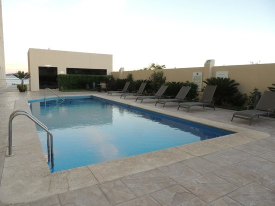Hotel Aeropuerto Los Cabos : Your private swimming pool