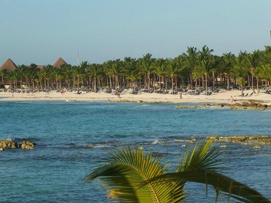 Barcelo Maya Tropical : Notre plage vu du Palace