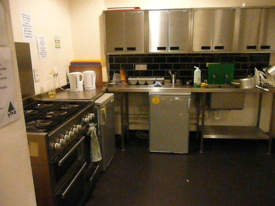 YHA Bristol : Self Service Kitchen