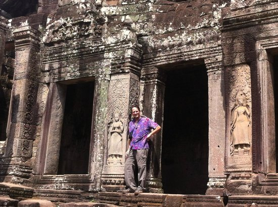 Cambodian Tour Guide Services: Apsara and I
