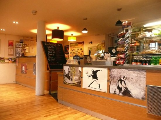 YHA Bristol : Reception and Cafe