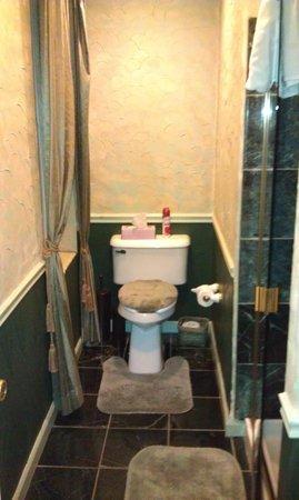 All Seasons Groveland Inn B&B : Туалет