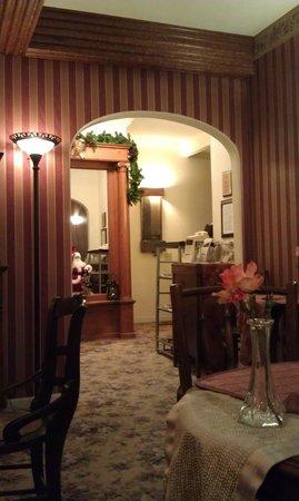 All Seasons Groveland Inn B&B: Гостиная