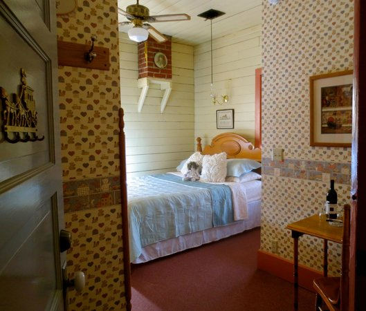 Carriage House Bed and Breakfast: Toy Room