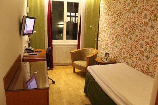 Elite Hotel Adlon : アドロンホテル 客室