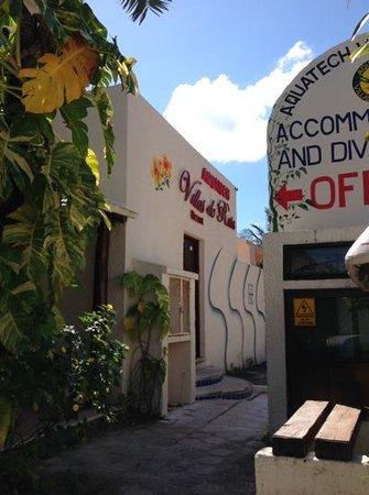 Villas DeRosa Beach Resort: entrance to hotel