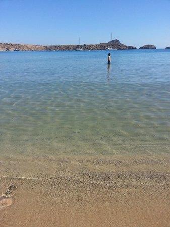 Lindos beach: Praia sem ondas e rasa