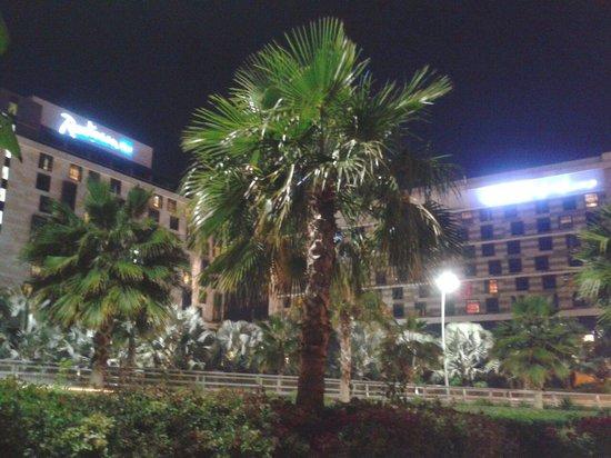 Radisson Blu Hotel, Abu Dhabi Yas Island: outer layout