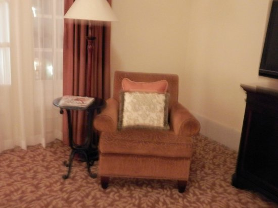 The Mission Inn Hotel and Spa : Spacious Room