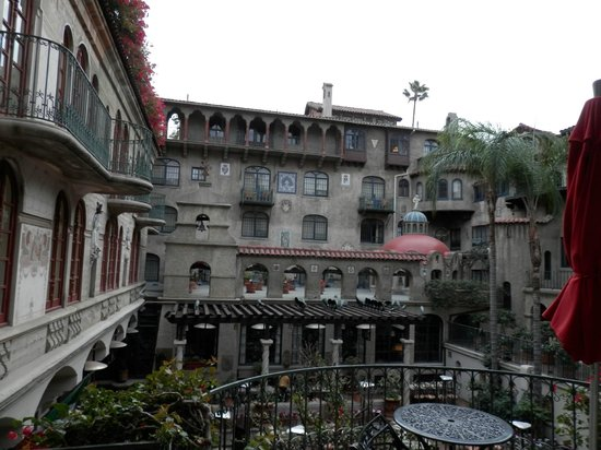 The Mission Inn Hotel and Spa : Magnificent architecture, taste of Europe