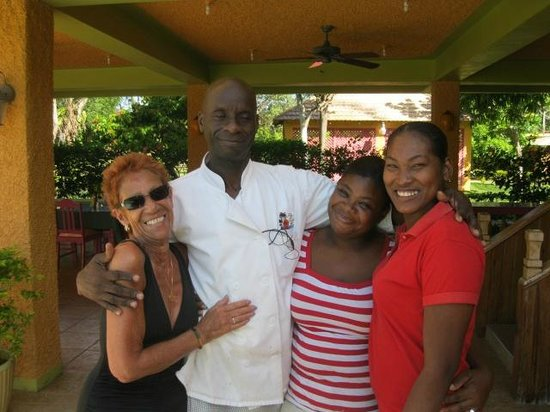 The Oasis Resort: Just some of the wonderful staff.