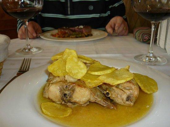 Taberna Luque: Granny Rabbit with garlic and saffron potatoes