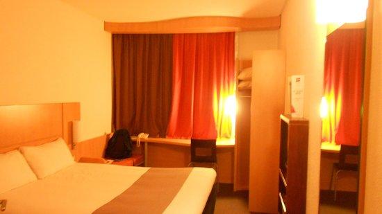 Ibis Cotonou : Room