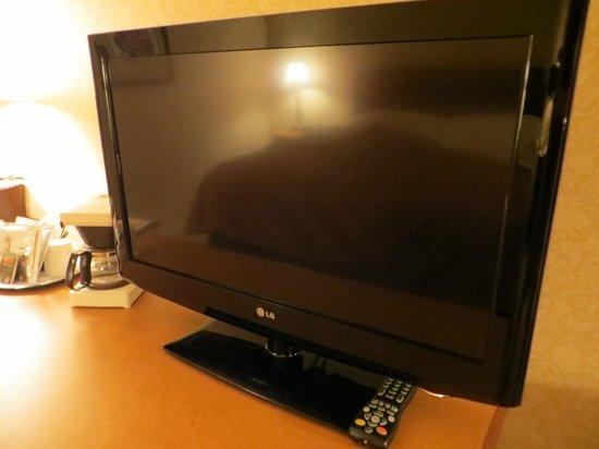 The Sutton Place Hotel Edmonton: TV