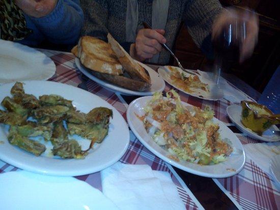 Menjars Can Pep: Xatonada, alcachofas....todo muy bueno y a buen precio.