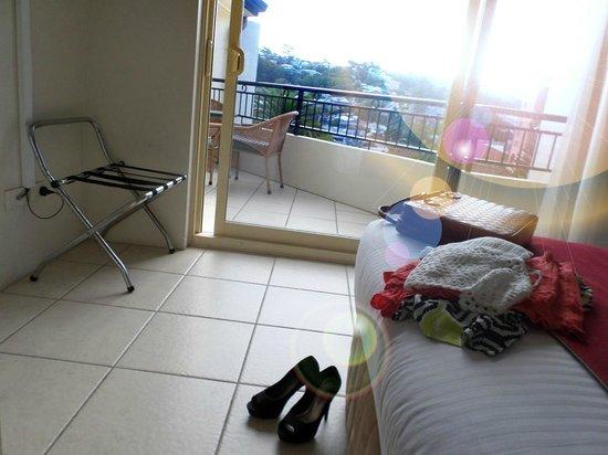Terrigal Sails Serviced Apartments: room