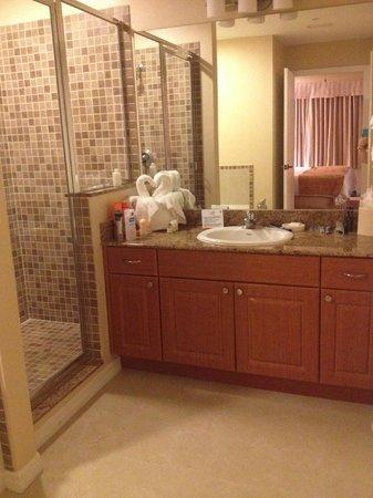 The Point Orlando Resort: Bathroom