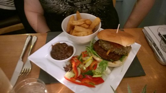 Black Sheep Bistro: Burger