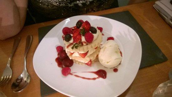 Black Sheep Bistro: Strawberry Shortcake